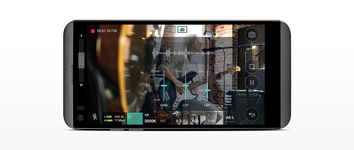 LG Q8 (3)
