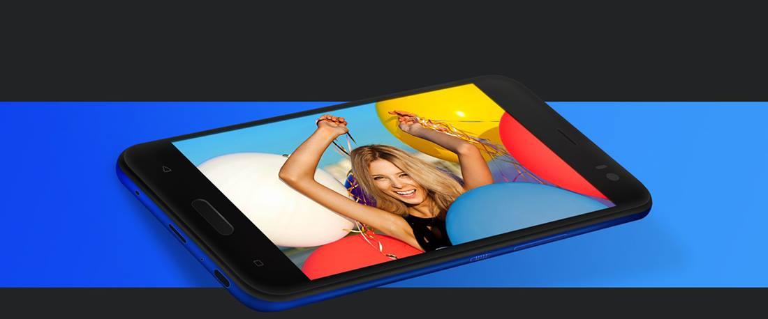 HTC U11Life (4)
