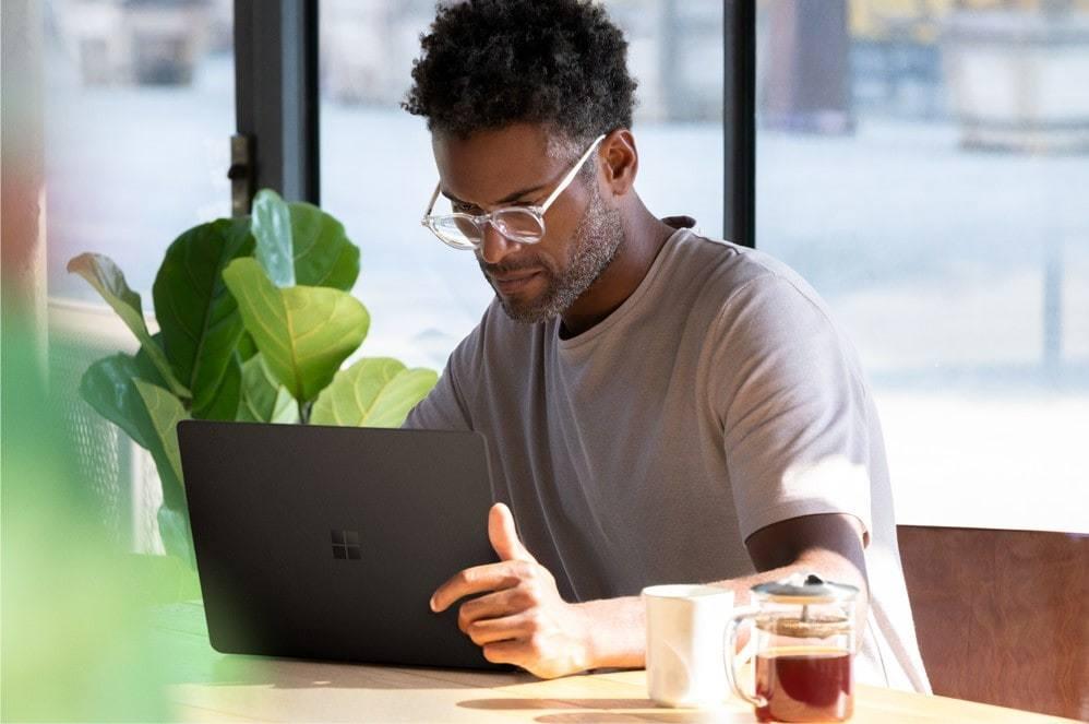 Microsoft Surface Laptop 2 (6)