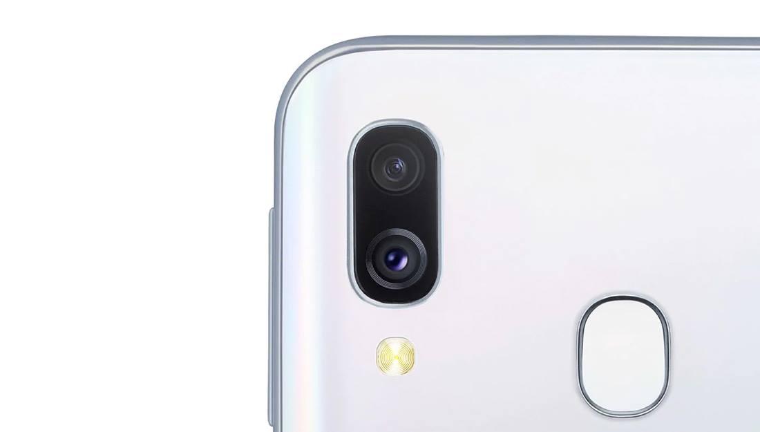 Samsung Galaxy A40 (3)
