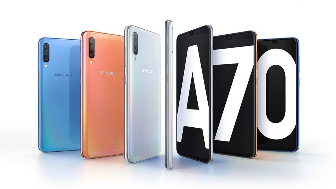 Samsung Galaxy A70 Screen Specifications •